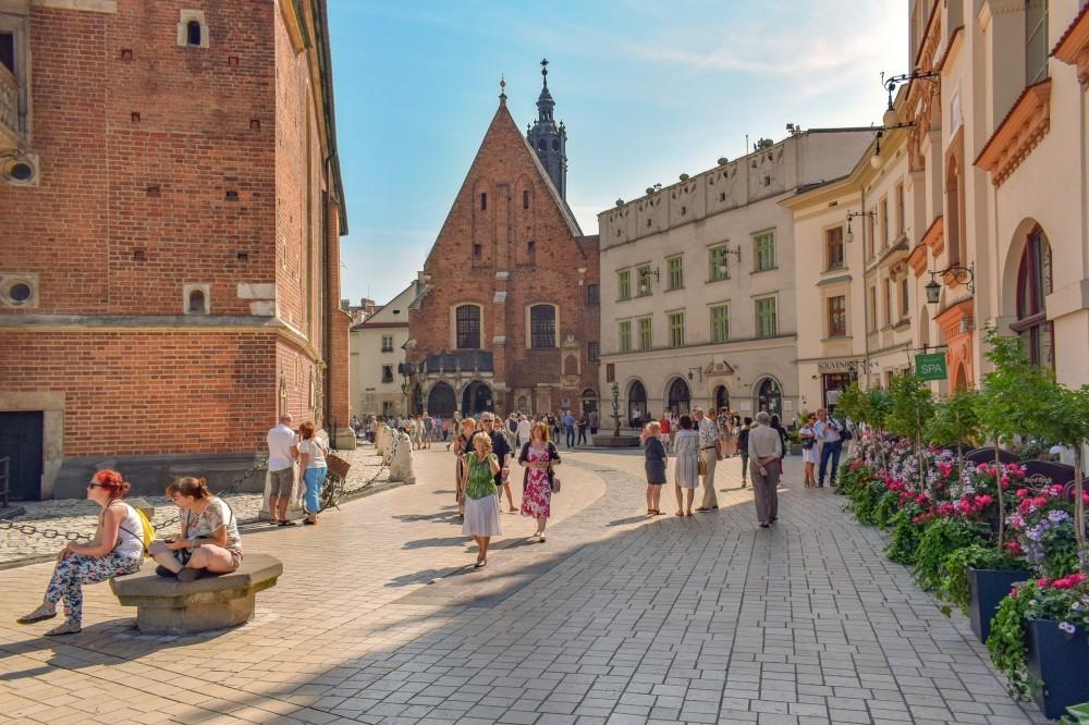 Is Krakow Worth Visiting? 5 Reasons to Visit Krakow